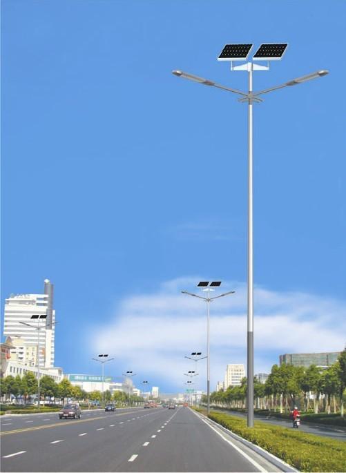 新闻:太阳能路灯是由哪几个部分组成、它的用途?