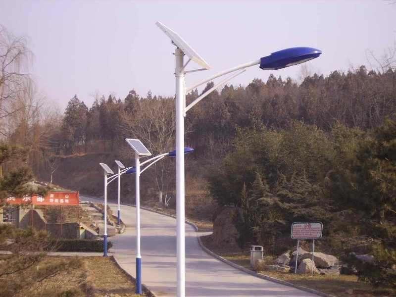 新闻:太阳能路灯后期维护需要做什么工作