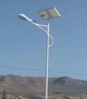 华可:80套新疆太阳能路灯安装完毕