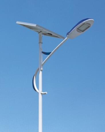 华可:河北太阳能路灯照亮了漆黑的农村道路