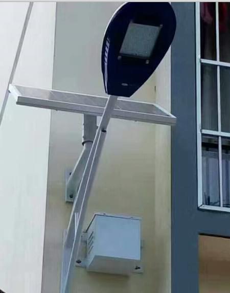 华可发货50套广西太阳能壁灯现已安装完毕