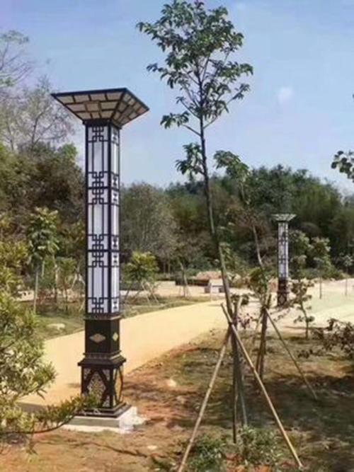 【华可案例】广东揭阳35套4米广场景观灯安装完毕!