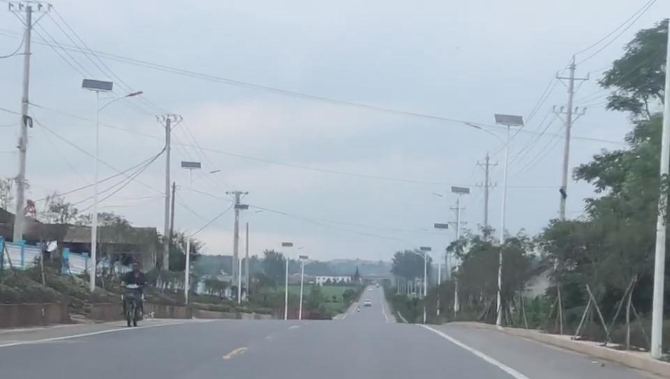 四川广安led太阳能路灯工程案例展示