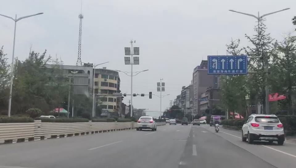 广西玉林led风光互补太阳能路灯工程案例展示
