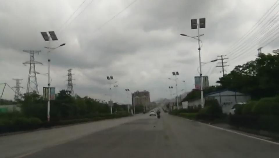 广西柳州led太阳能路灯工程案例展示